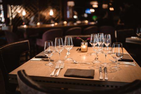 门店月销葡萄酒2000+瓶,这家餐厅是如何把线上批发、线下零售融为一体的?